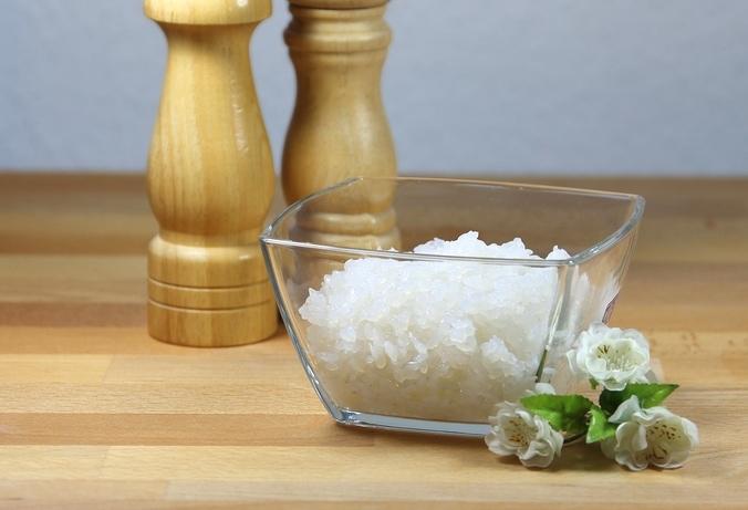 Shirataki-Reis in einer Schale
