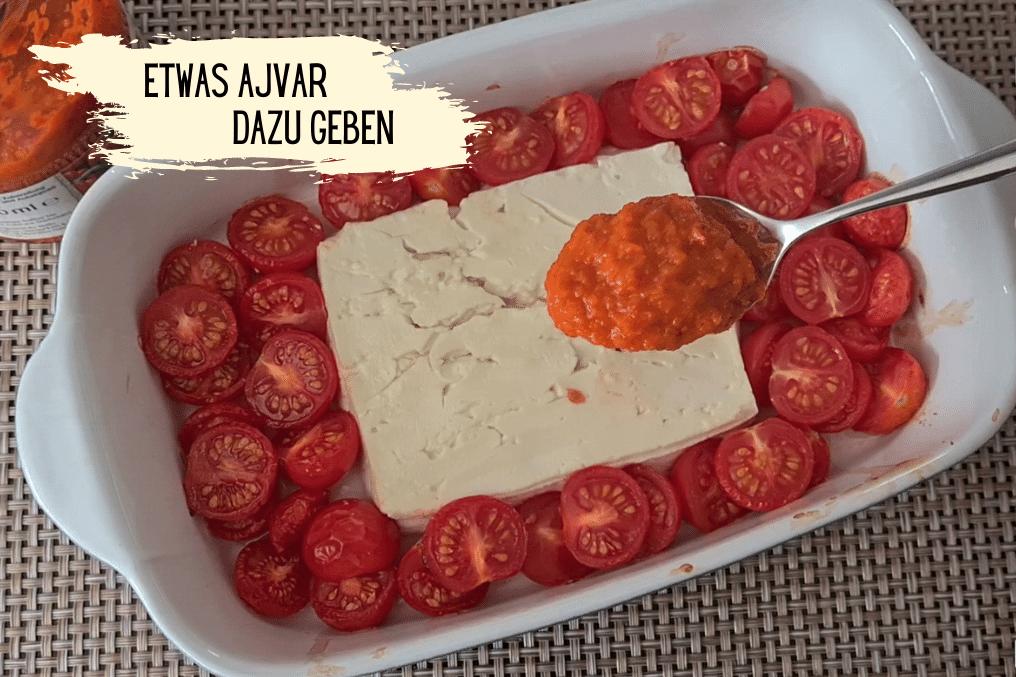 Baked Feta mit Ajvar in Auflaufform