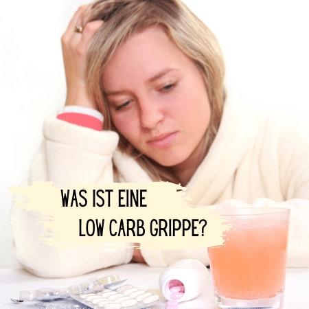 Eine kranke Frau im Bademantel. Text im Bild: Was ist eine Low Carb Grippe?